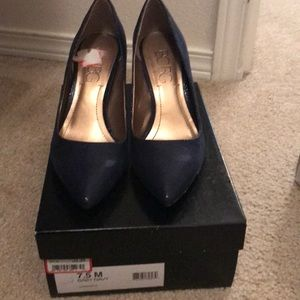 Navy patterned pumps